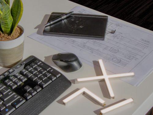 fizzix_desk_lit_1500x1500px